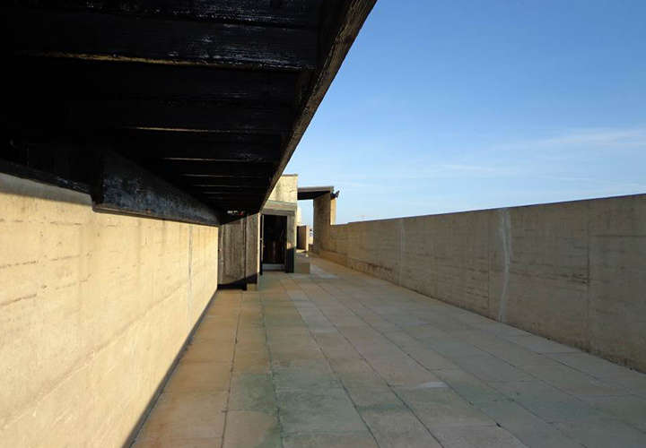 View within the Swimming pool by Alvaro Siza, Leça da Palmeira, Portugal. - Photography by Ana Lopes Ramos